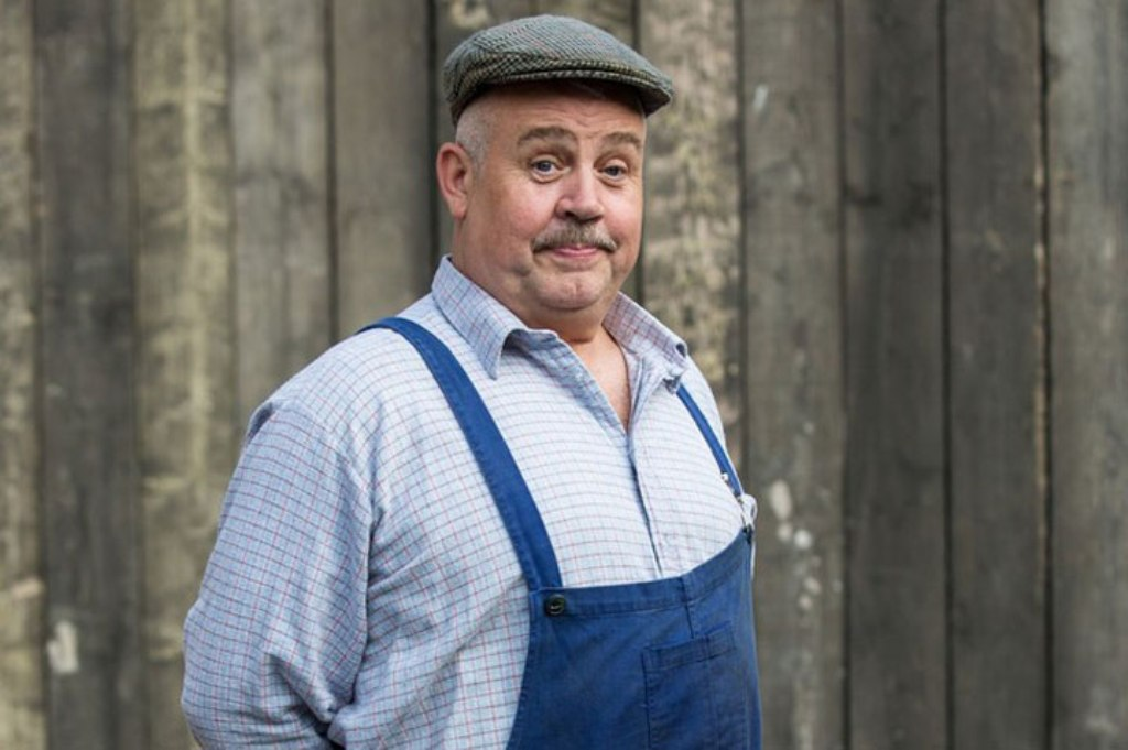 Actor Cliff Parisi, as well-loved character 'Fred Buckle' from BBC drama 'Call the Midwife' will be starting the 10th anniversary Star Shine Night Walk for Arthur Rank Hospice.