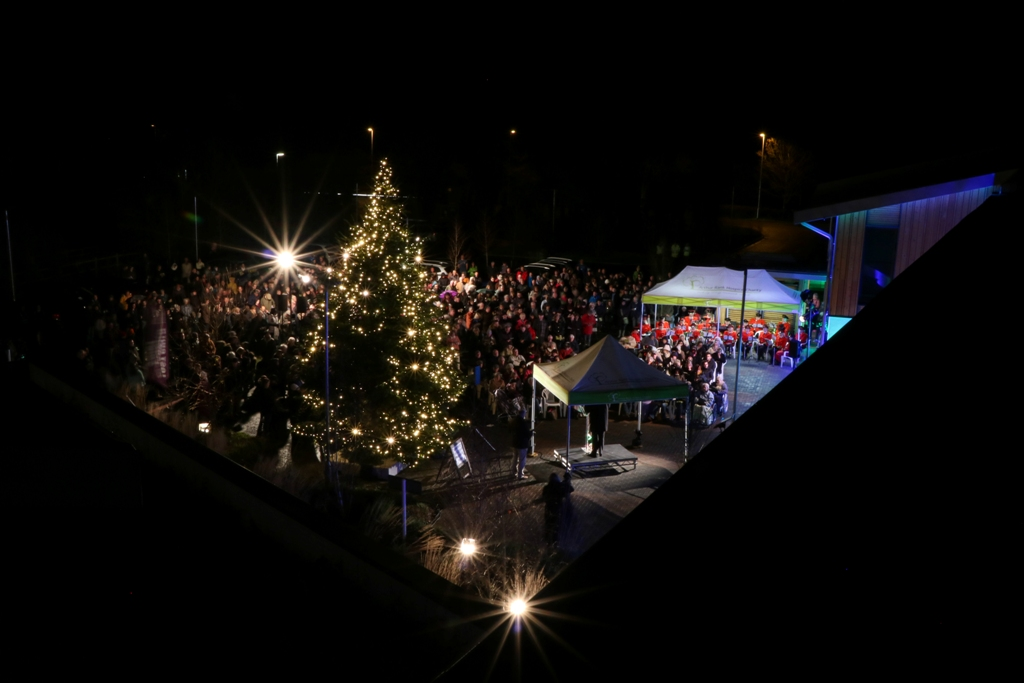 Hundreds of beautiful lights will now shine out into the night at the entrance to Arthur Rank Hospice, across the festive season until twelfth night on Saturday 5 January 2019. Whilst the Commemorative Booklet and its addendum were closed to dedications before the 2 December service, those wishing to remember a loved one may still dedicate a light to them, by visiting https://www.arhc.org.uk/light-up-a-life.asp